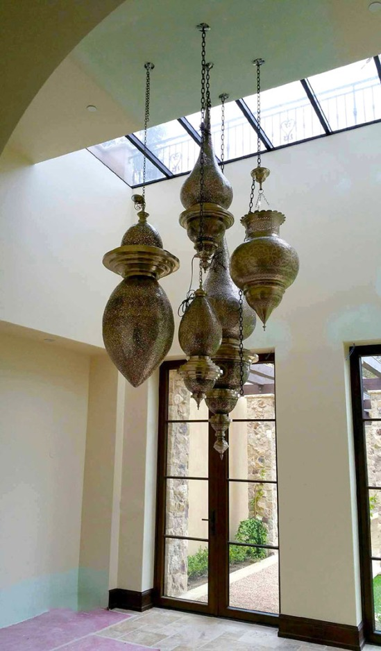 chandelier, Moroccan chandeliers, lighting, hotel lighting, Moroccan lighting, Moroccan home lighting, architecture, Moroccan lights, brass chandelier, Moroccan décor, home inspiration, design inspiration, Moroccan design inspiration